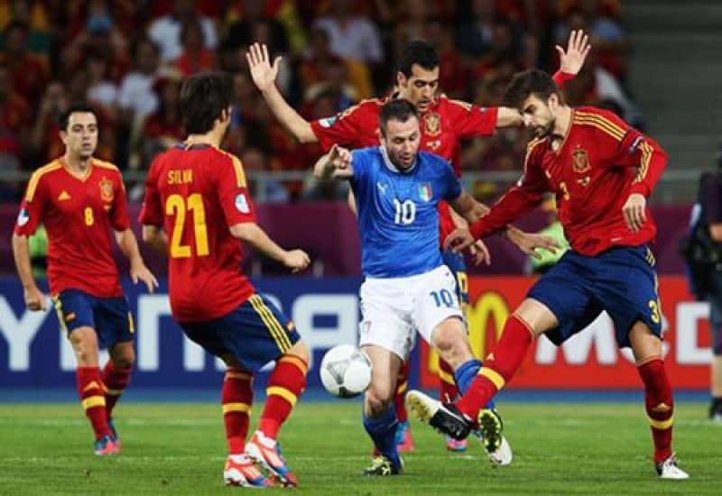 Top năm quốc gia nhỏ nhất nhưng có đội bóng đá quốc gia mạnh nhất