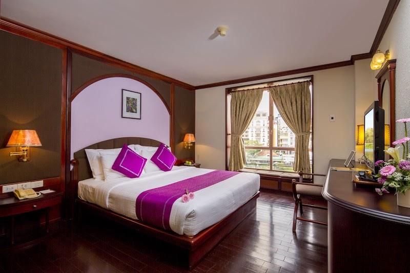 Không gian sang trọng tại phòng nghỉ của TTC Hotel Premium Ngọc Lan