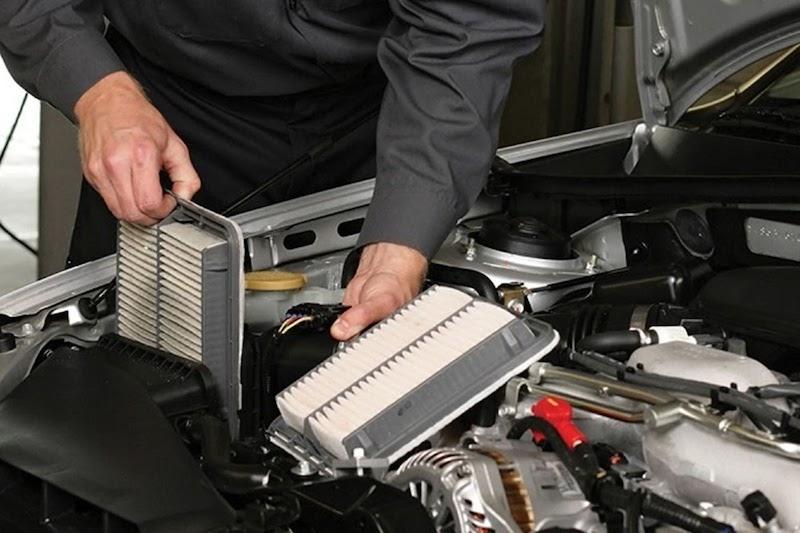 Lọc gió máy lạnh tắc nghẽn sẽ tạo ra mùi khó chịu cho xe ô tô